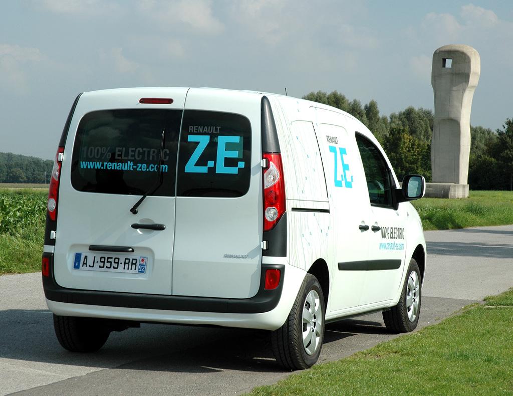 Renault Kangoo Rapid ZE bei der Fahrvorstellung in der Nähe von Neuss.