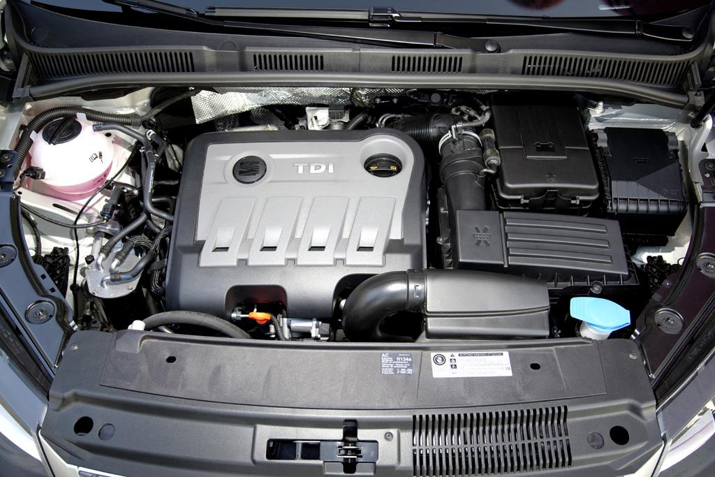 Seat Alhambra: Blick unter die Motorhaube, alles sind Ecomotive-Vierzylinder.