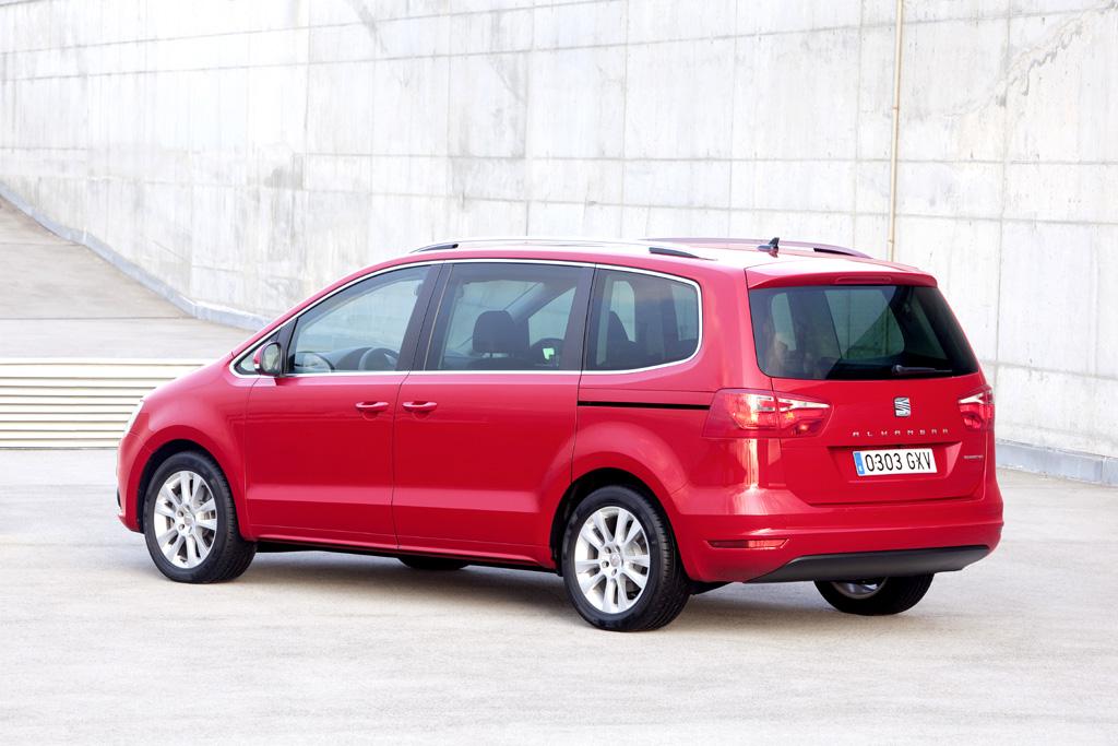 Seat Alhambra: Die Großraum-Limousine hat in der Länge und in der Breite zugelegt.