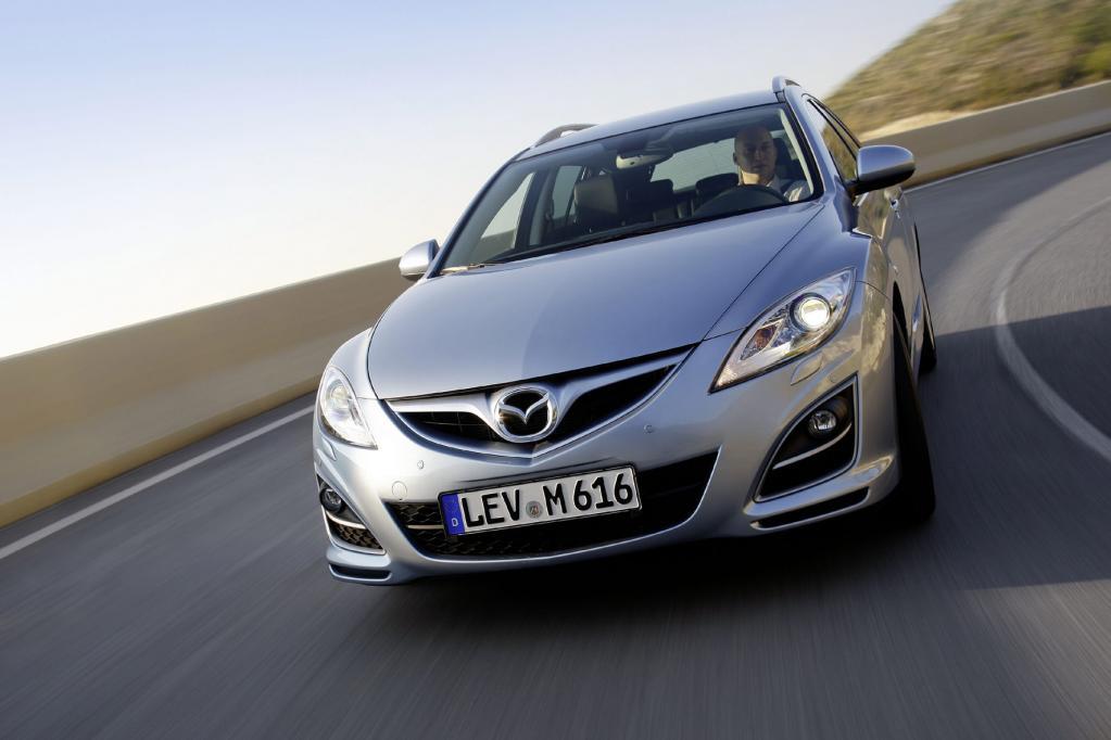 Seit der kürzlich erfolgten Modellpflege trägt der Mazda6 ein leichtes Lächeln im Gesicht.