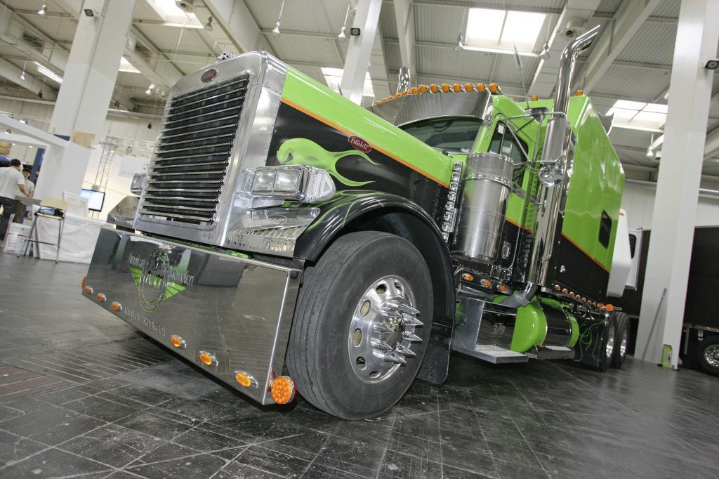 Sonderschau: US-Trucks auf der IAA Nutzfahrzeuge 2010.