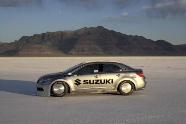 Suzuki Kizashi stellt Geschwindigkeitsrekord auf