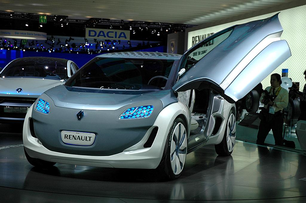 Vom Zoe ZE, hier noch als Studie, verspricht sich Renault bei uns das meiste Volumen.