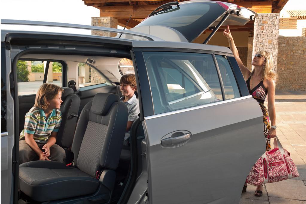 Vor allem bei Familien beliebt sind die Schiebetüren des Grand C-Max.