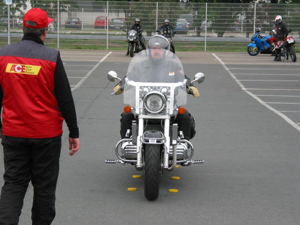 ACE kritisiert Motorradhersteller