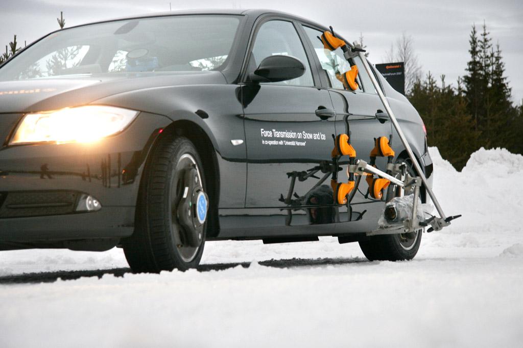 Auch für Reifentests ist eine aufwändige Ausstattung notwendig.