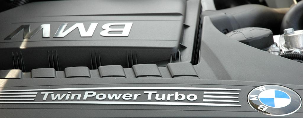 BMW X3: Blick unter die Haube des Sechszylinder-TwinTurbo-Direkteinspritzer mit 306 PS.