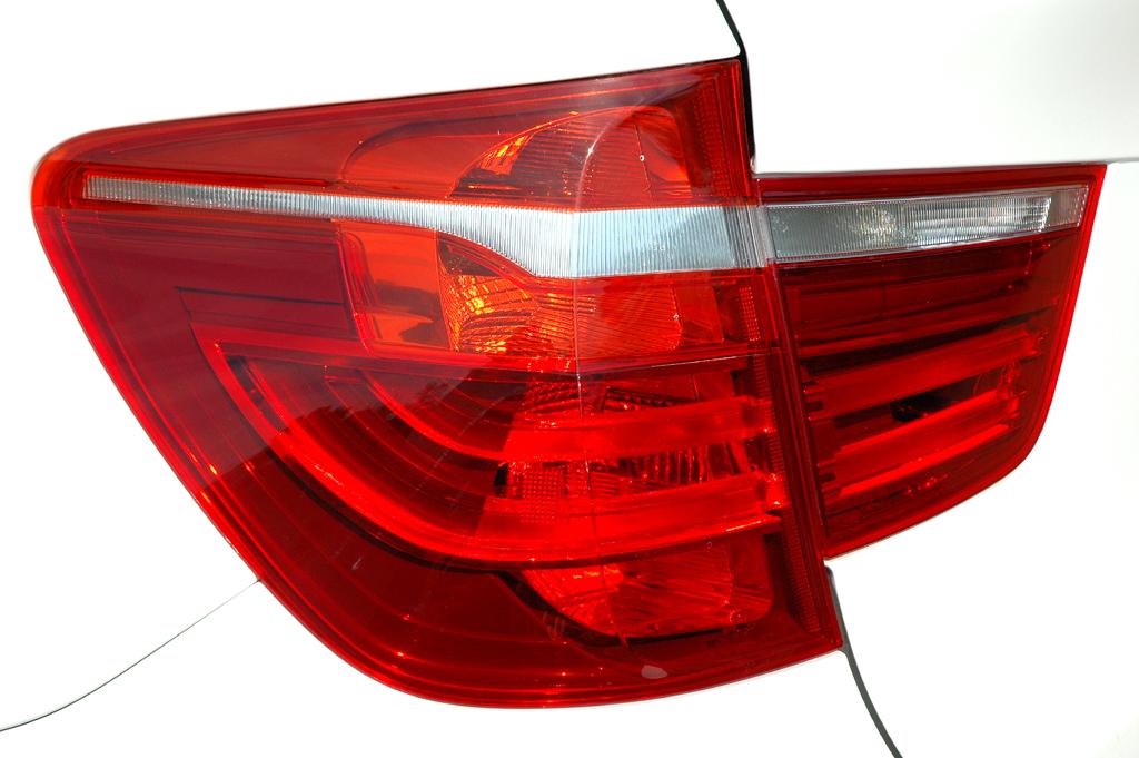 BMW X3: Moderne Leuchteinheit hinten.