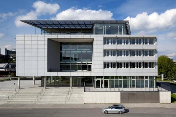 BMW stiftet Uni-Gebäude im Wert von zehn Millionen Euro