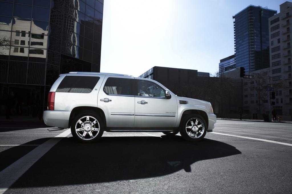 Cadillac Escalade Hybrid: Nischen-Riese