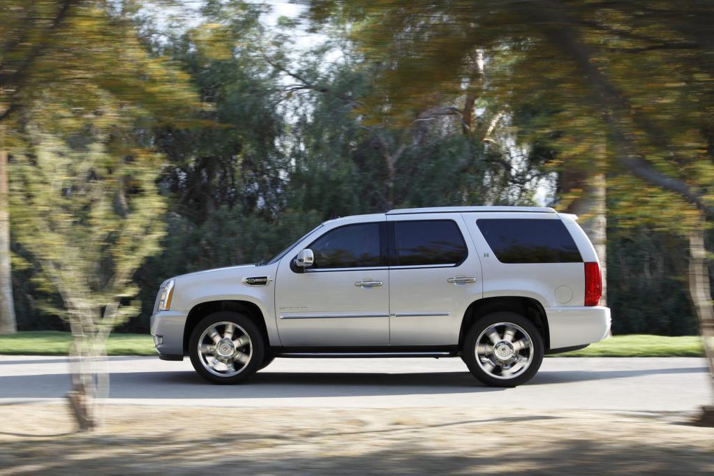 Der Cadillac Escalade ist ein Fünf-Meter-Plus-Gefährt mit Hybrid-Motor.