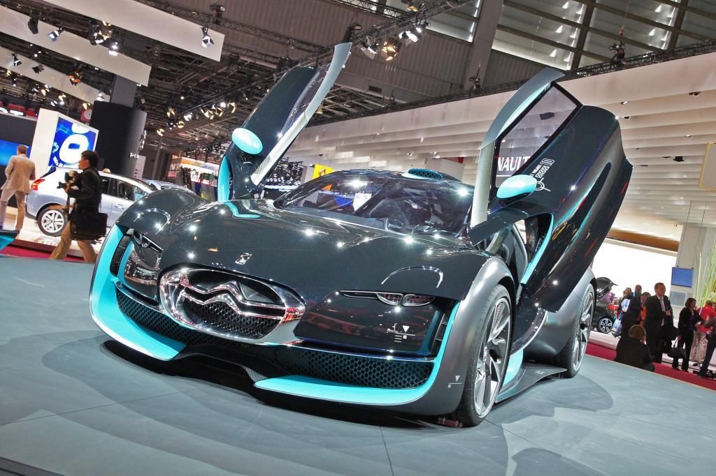 Der Citroen Survolt sieht mit den Flügeltüren eher wie Supersportwagen aus