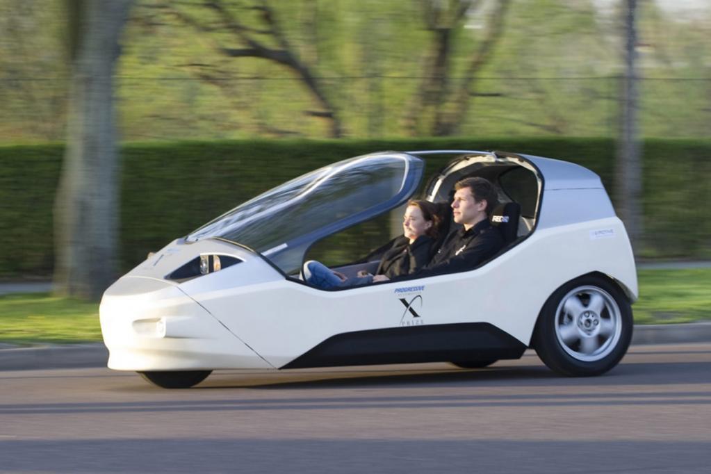 Der Prototyp erreicht mit seinem 30 kW E-Motor eine Höchstgeschwindigkeit von 130 km/h. Die Akku-Kapazität soll für 160 Kilometer reichen.