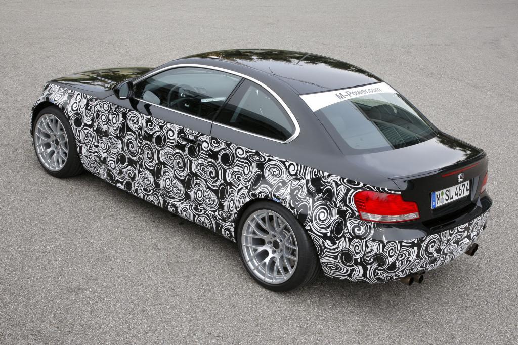 Der Prototyp ist BMW-typisch beklebt