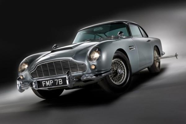 Dienstfahrzeug Deluxe - James Bonds Auto versteigert
