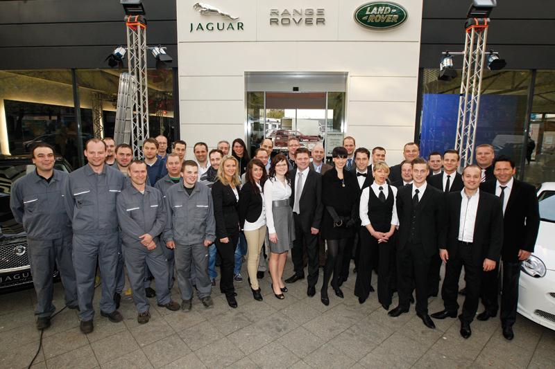 Dinnebier eröffnet Jaguar Land Rover-Autohaus am Kurfürstendamm
