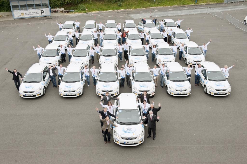 Eco Challenge: Siegerteam verbrauchte mit Toyota Auris Hybrid im Schnitt 3,86 Liter