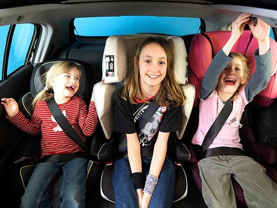 Eltern werden beim Autokauf von ihren Kindern beeinflusst