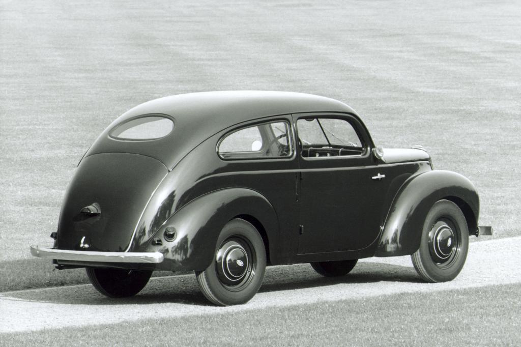 Ford Taunus Buckel, 1939