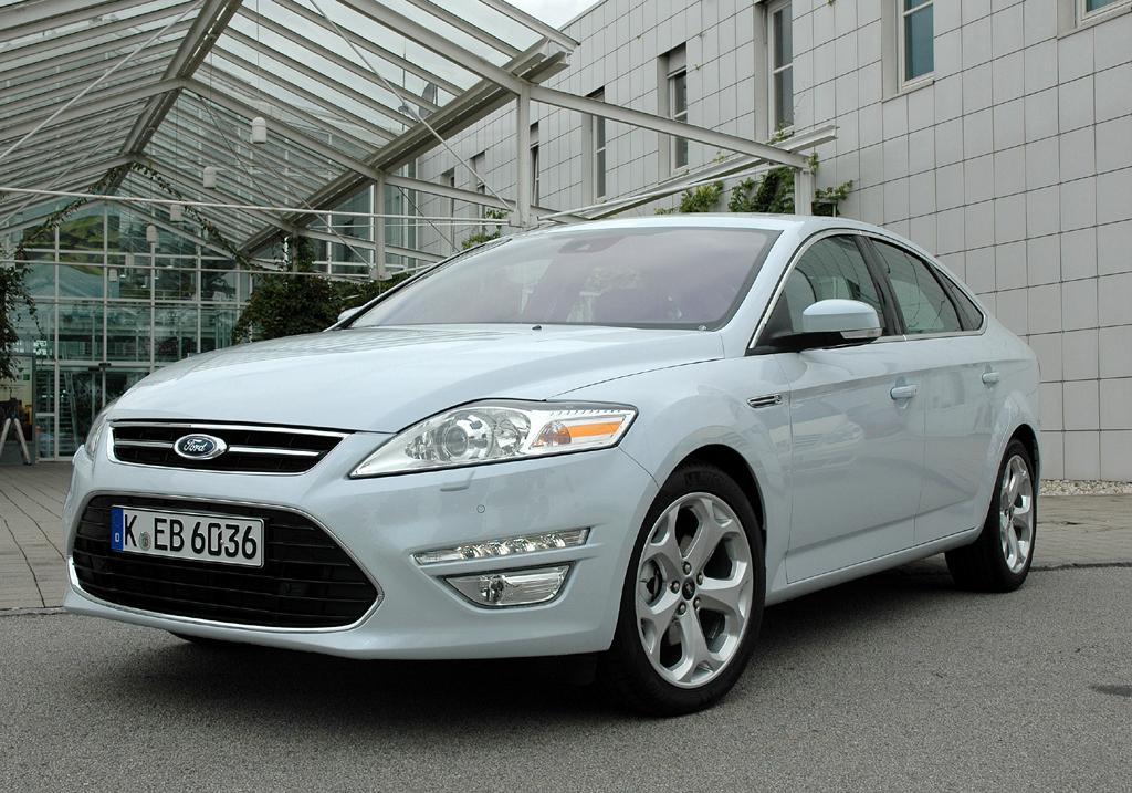 Ford aktuell: Mondeo-Neuauflage, hier als Limousine.