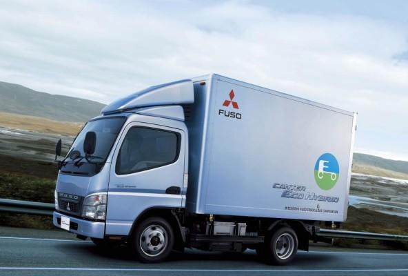 Fuso verkauft 1000sten Canter Eco Hybrid