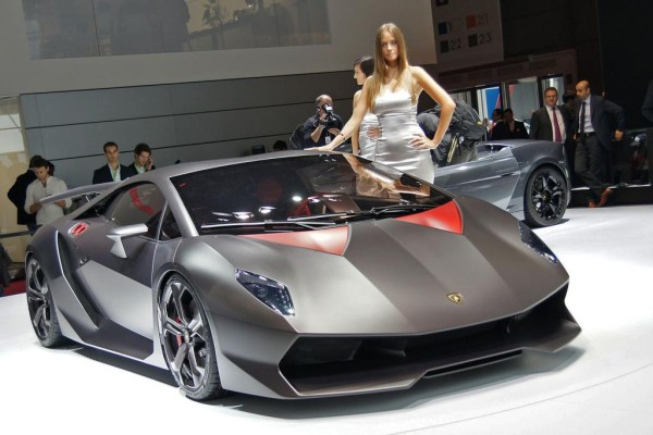 Lamborghinis Pläne - Kampfstier in Angriffshaltung