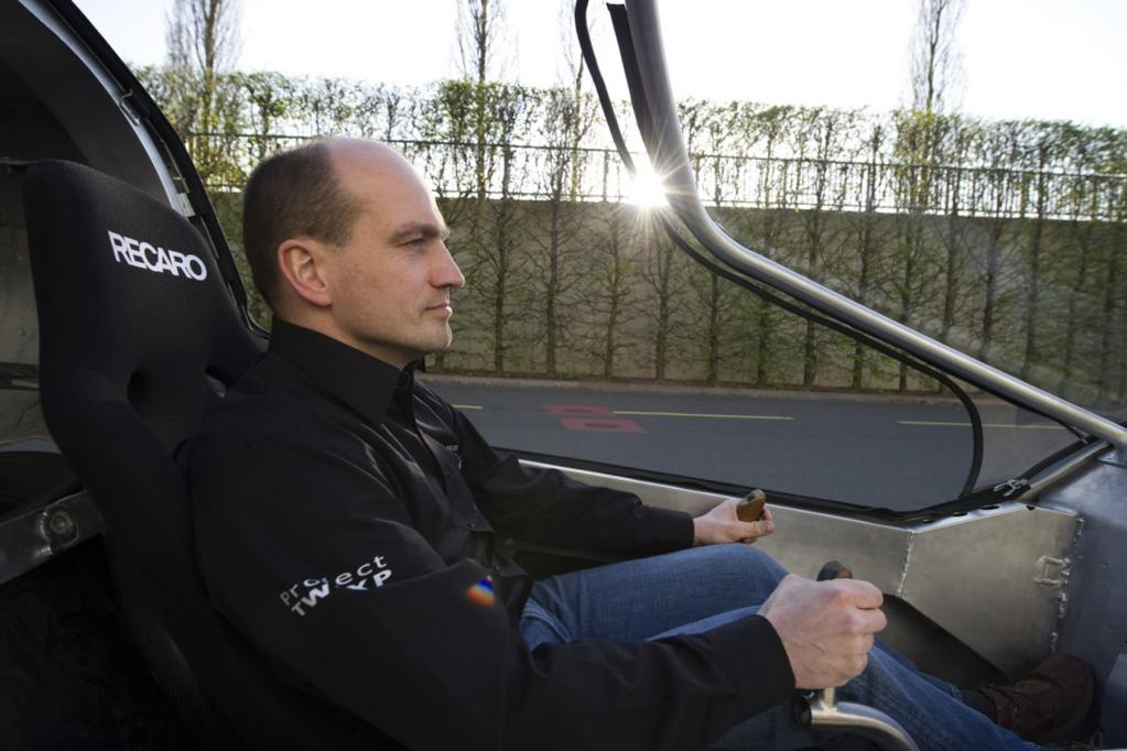 Martin Möscheid plant ab 2012 maixmal 1 000 Fahrzeuge zu produzieren. Als Zielpreis werden 20 000 Euro angestrebt.