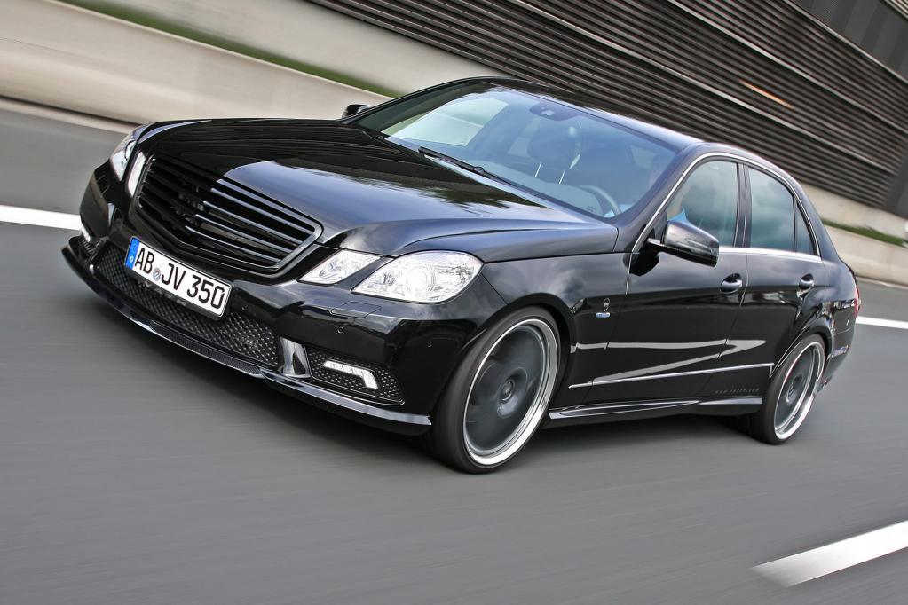 Mit 650 Nm im Antriebsstrang macht der Väth V35 auf Basis einer Mercedes E Klasse nicht nur an der Ampel von sich Reden.