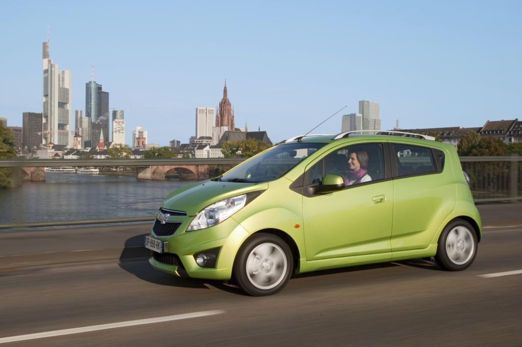 Mit seinem kantigen Design sticht der Chevrolet Spark aus der Masser heraus