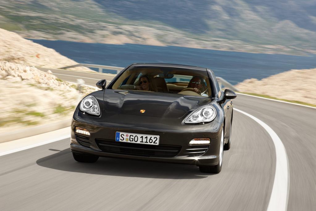 Neuer Porsche für Familien: Der Panamera bietet Platz für vier.