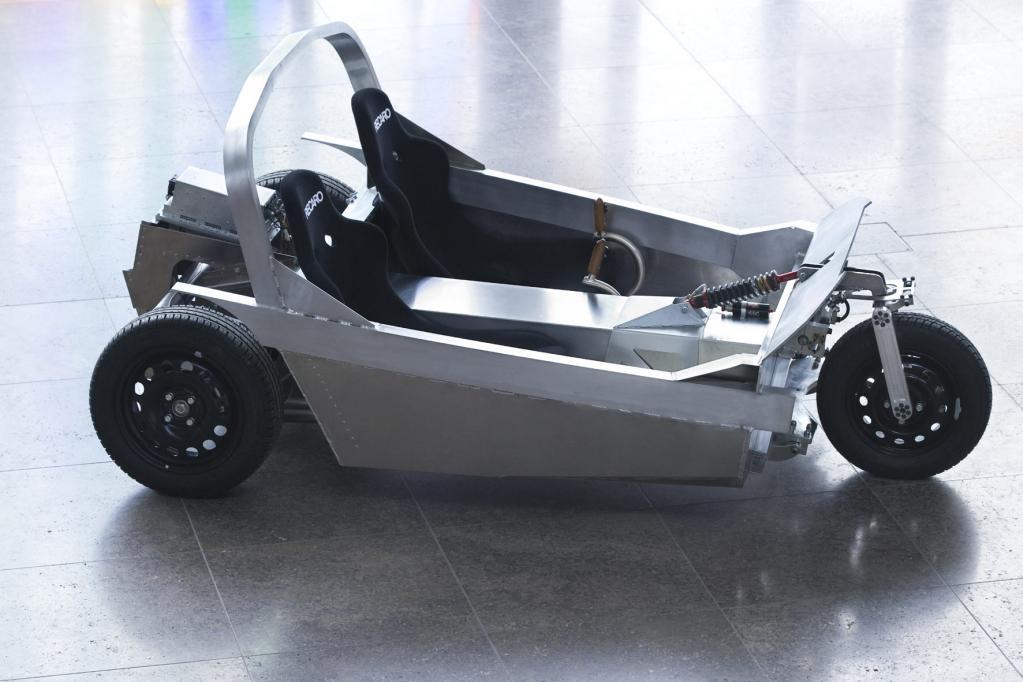 Noch wiegt das, nach dem klassischen Twike Grundprinzip aufgebaute Dreirad, 675 Kilogramm. In Zukunft soll es nur noch 500 Kilogramm wiegen.