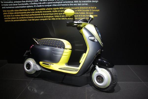 Paris 2010: Mini mit E-Scooter Elektro-Roller