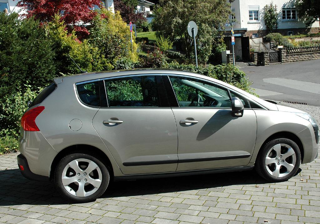 Peugeot 3008: Seitenansicht.