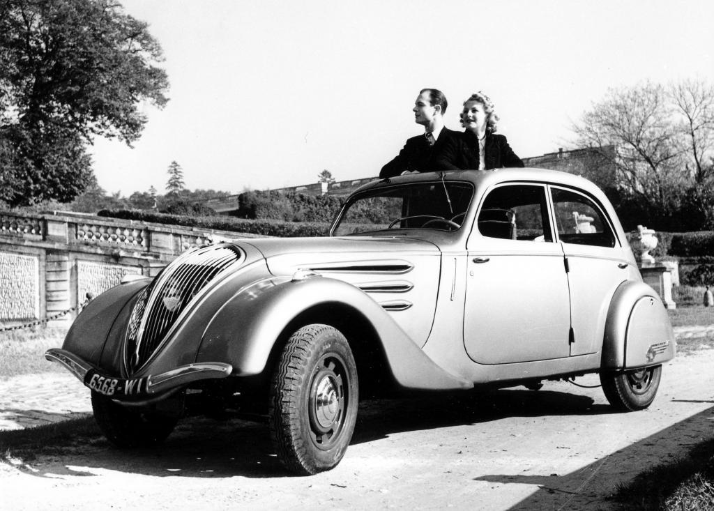 Peugeot 402 - 75 Jahre.