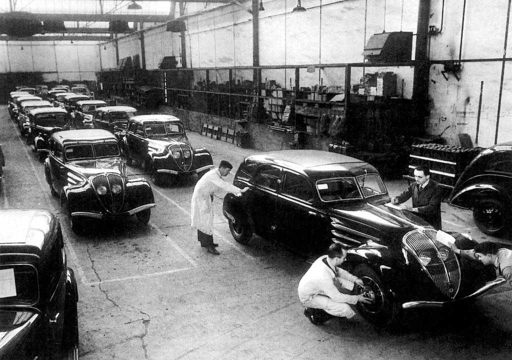 Peugeot 402 Fertigung.