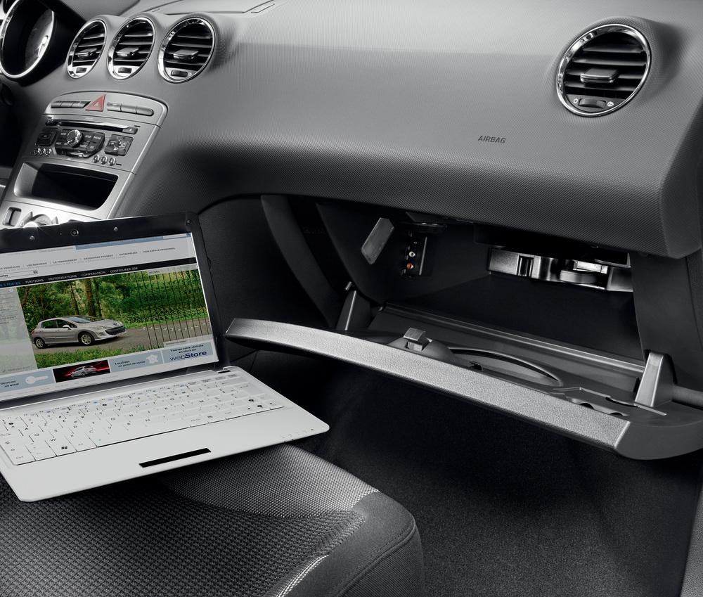 Peugeot bietet Internetbox im Auto für 339 Euro an