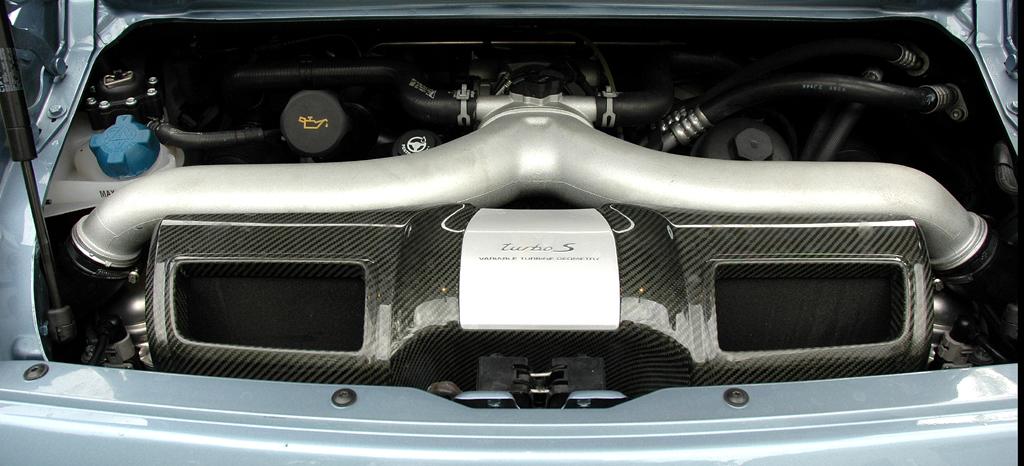 Porsche 911 Turbo S Coupé: Blick auf den 3,8-Liter-Biturbo-Benzindirekteinspritzer.
