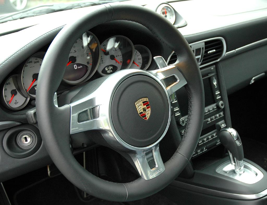 Porsche 911 Turbo S Coupé: Blick ins Cockpit.