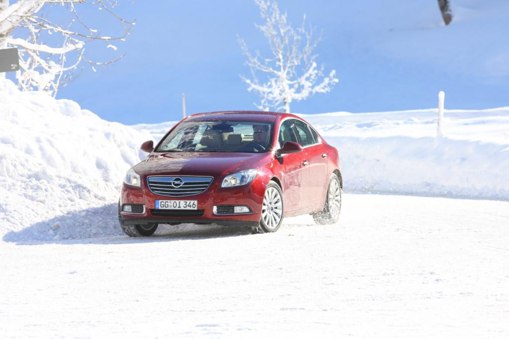 Ratgeber: Fahren bei Schnee und Eis
