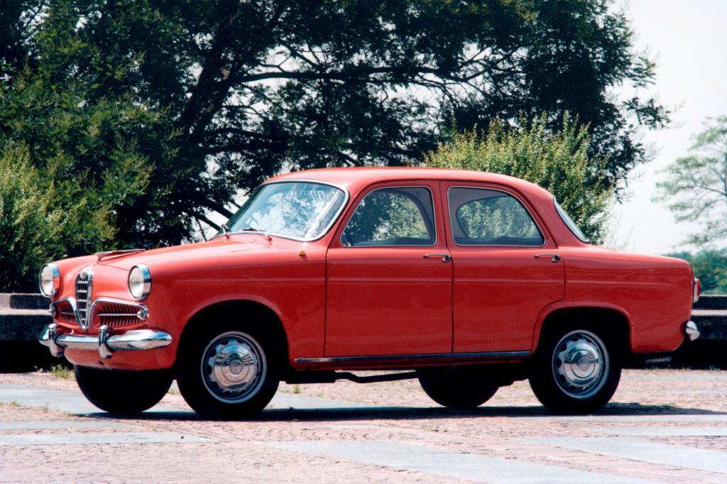 Sie ist Mutter und Urmaß aller kompakten Sportlimousinen und GTI: die Alfa Romeo Giulietta