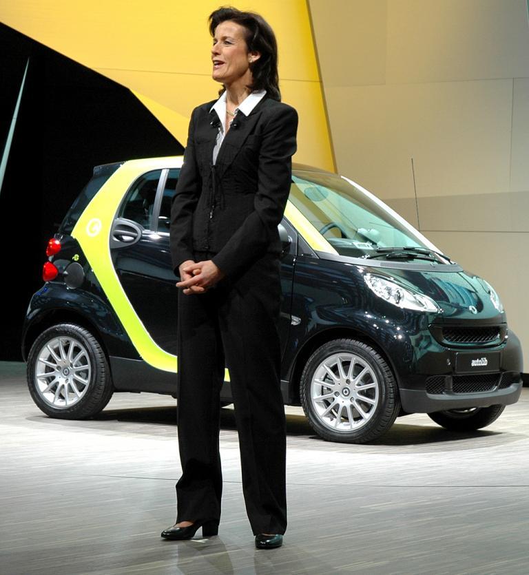 Smart-Chefin Annette Winkler bei der Präsentation der Smart-Neuheiten ...
