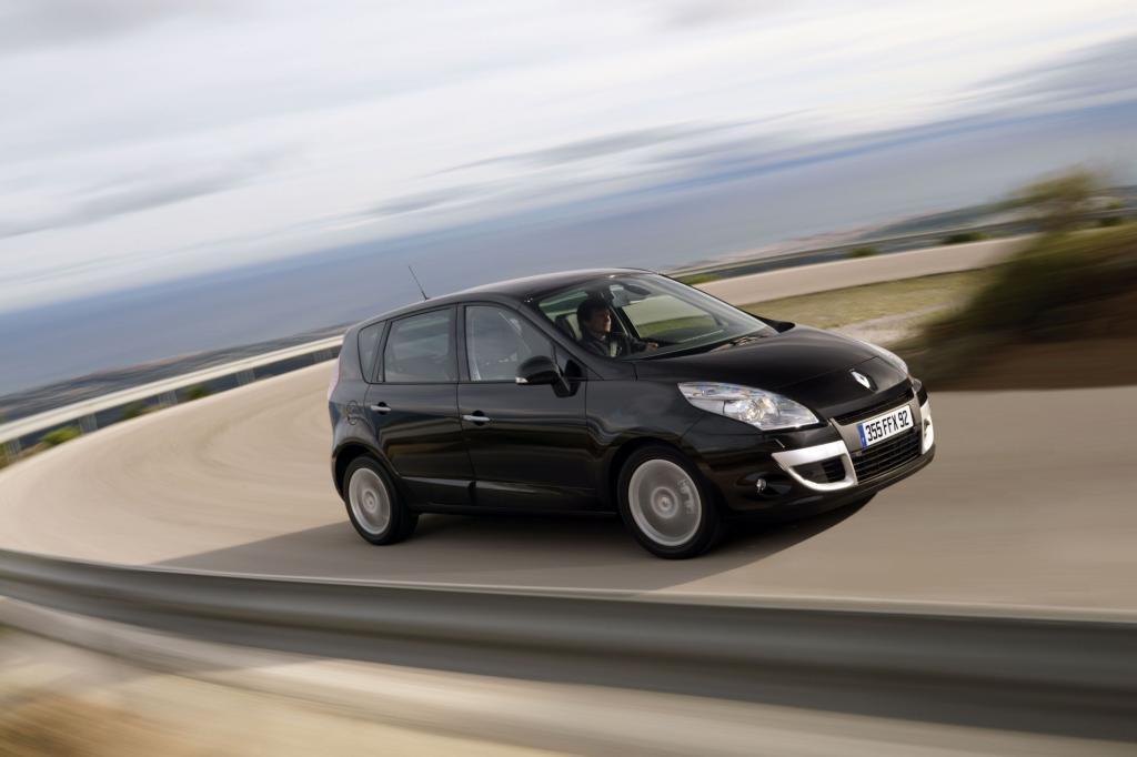 Spar-Van für Familien - Renault Scenic mit neuer Basis