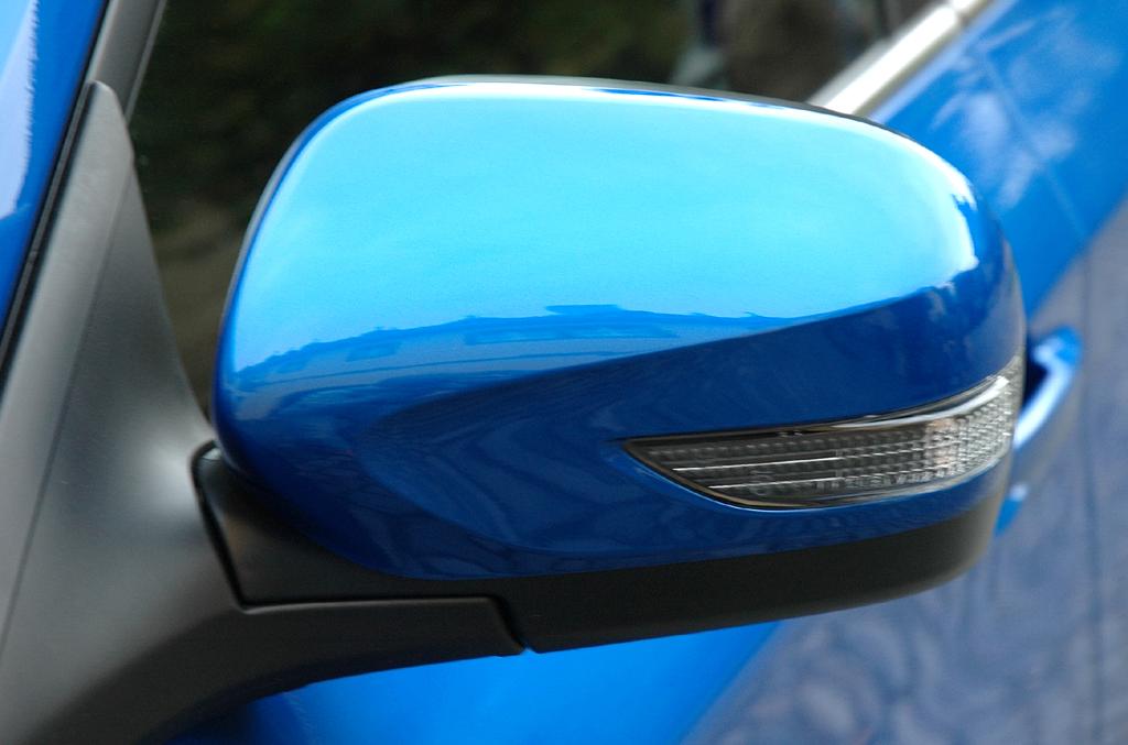 Subaru WRX STi: In die Außenspiegel sind Blinkerleisten integriert.