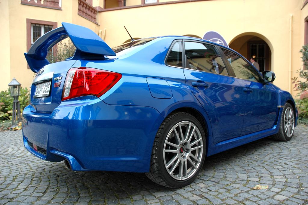 Subaru WRX STi: Understatement ist die Sache des japanischen Boliden sicher nicht.