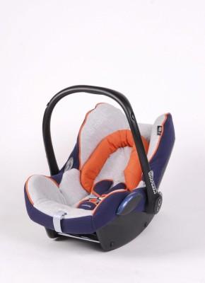 Tipp: Babys besser auf der Rückbank transportieren