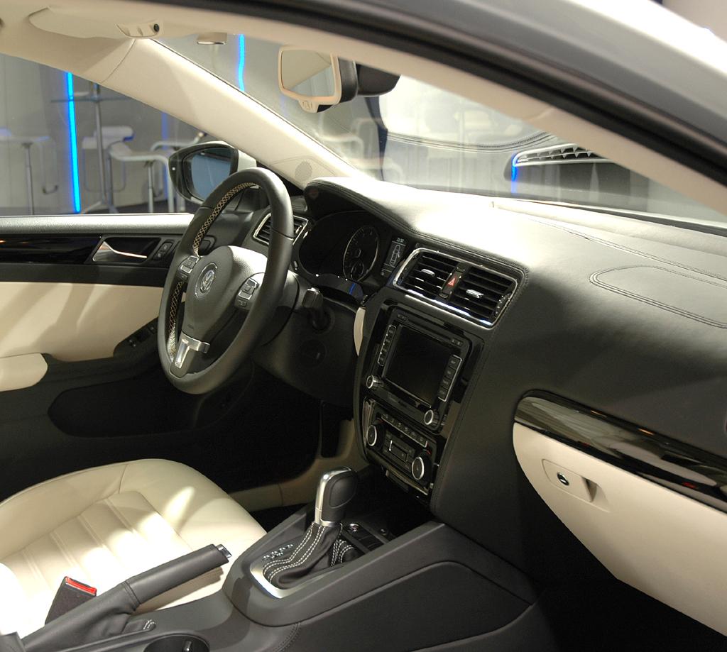 VW Jetta: Blick ins Innere.