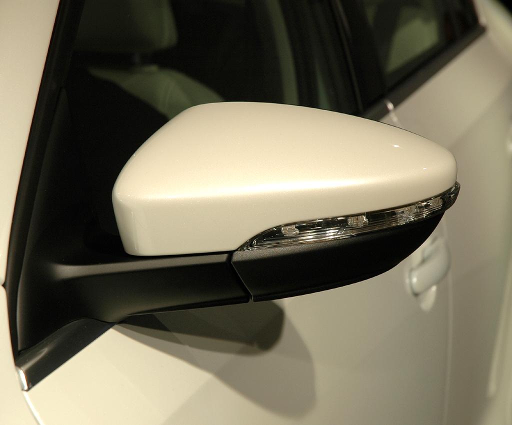 VW Jetta: In die Außenspiegel sind Blinkerleisten integriert.