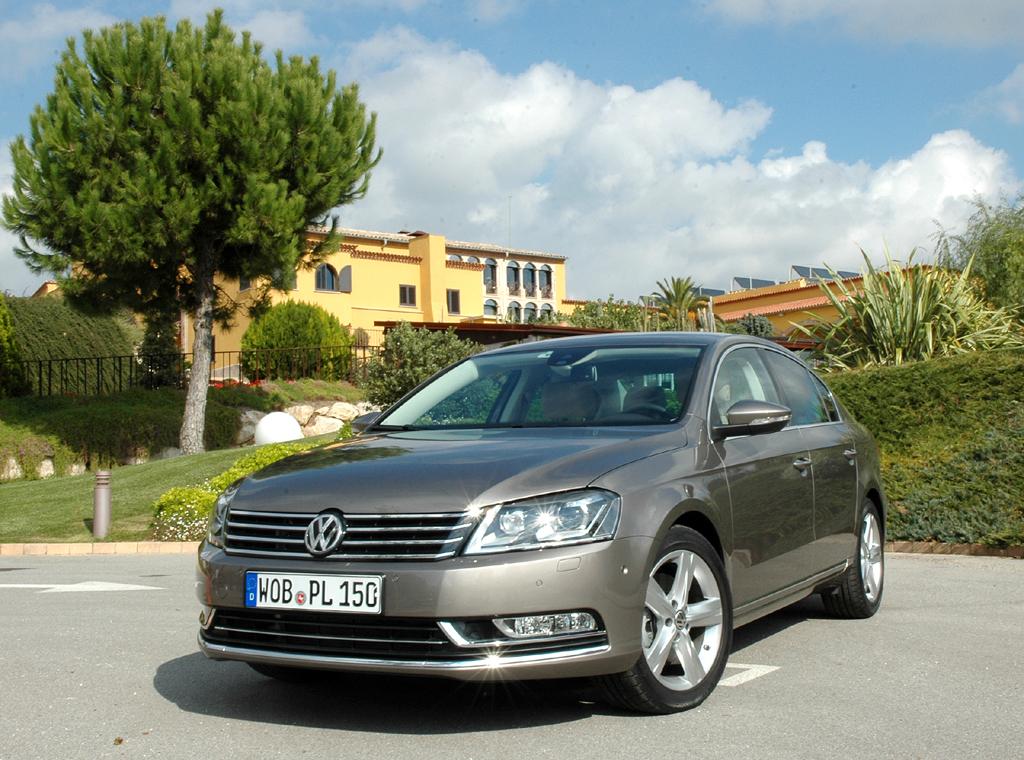 VW Passat: Die Neuauflage, hier die Limousine, nimmt Anleihen beim größeren Phaeton.