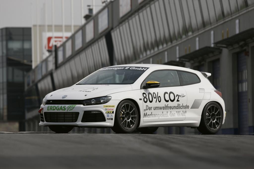 Volkswagen bringt Bio-Erdgas-Power zum Race of Champions
