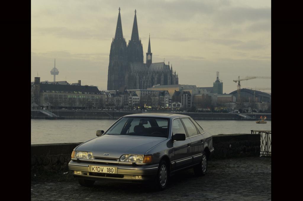 Von Buckel und Badewanne zu kinetischen Konturen, Ford Scorpio 1985